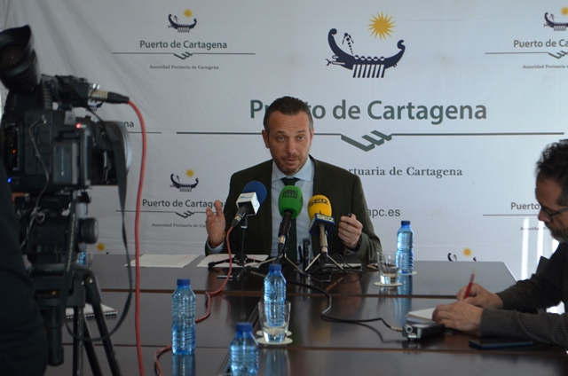 JOAQUÍN SEGADO TAKES STOCK OF HIS MANAGEMENT AT THE FRONT OF THE PORT OF CARTAGENA.