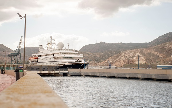 SEADREAM II, A SMALL CRUISE SHIP WITH A YACHTING SPIRIT